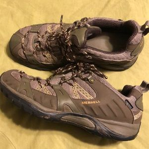 Merrell women's 8.5 hiking shoes